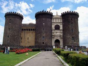 Napoli_-_Castello_Maschio_Angioino